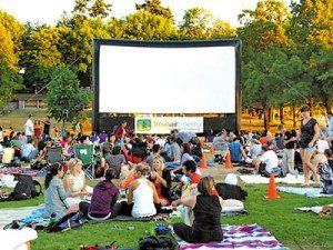 Foto do site http://www.insidevancouver.ca/2012/06/19/free-outdoor-movies-in-stanley-park-start-july-3-2012/